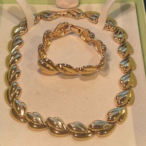 🔥🔥gold tone custom jewelry necklace & bracelet